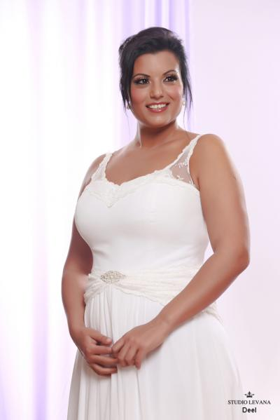 Plus size wedding gown White collection Deel (1)