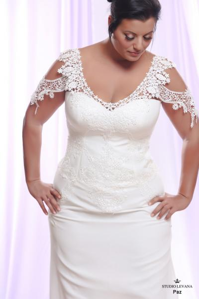 Plus size wedding gown White collection Paz (1)