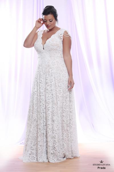 Plus size wedding gown White collection Prada (1)