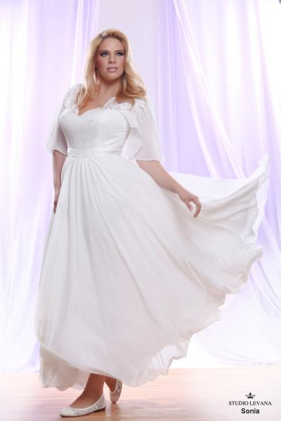 Plus size wedding gown White collection Sonia (2)
