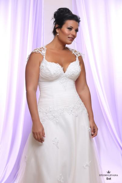 Plus size wedding gown White collection Sot (1)