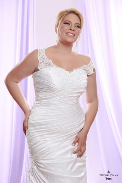Plus size wedding gown White collection Tom (1)