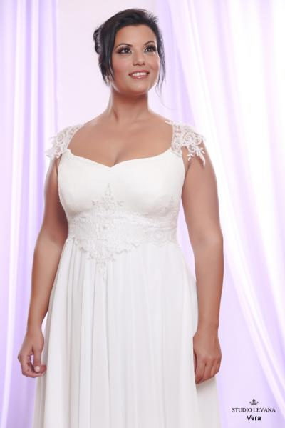 Plus size wedding gown White collection Vera (3)