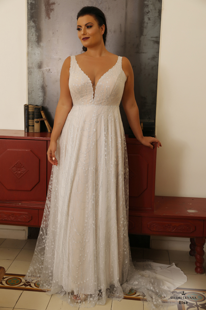 Red Carpet Babe- Curvy evening collection | Wedding gowns- Studio Levana