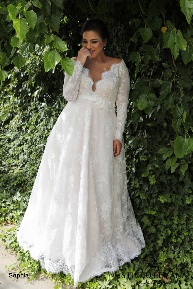 Plus size wedding gowns curvy enchanting wedding gowns for Best wedding dress styles for plus size brides