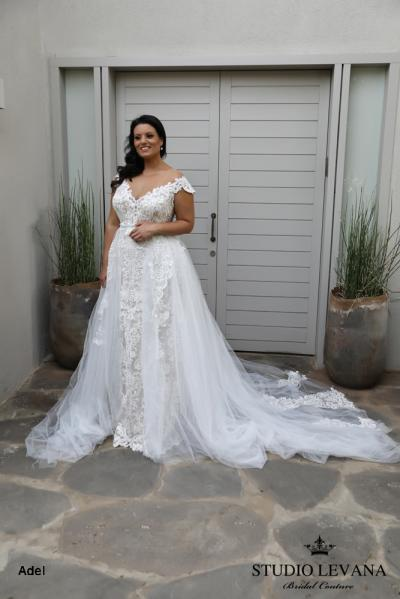 Plus size wedding gowns 2018 Adel (1)