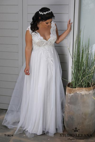 Plus size wedding gowns 2018 Tracie (3)