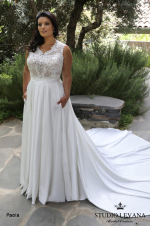 Plus size wedding gowns 2018_Paola (1)