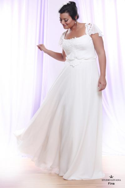 Plus size wedding gown White collection Fina (2)