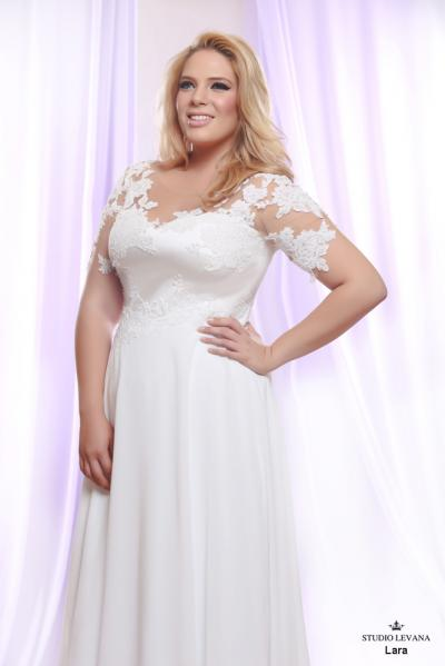 Plus size wedding gown White collection Lara (1)