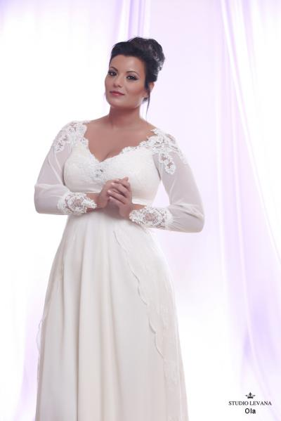 Plus size wedding gown White collection Ola (1)