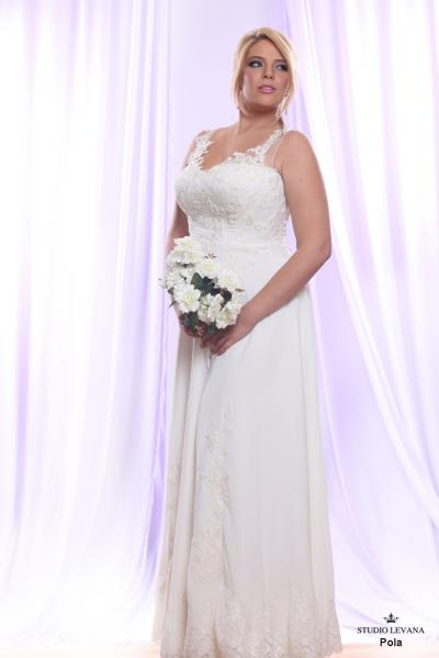Plus size wedding gown White collection Pola (1)