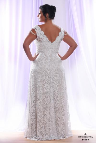 Plus size wedding gown White collection Prada (3)