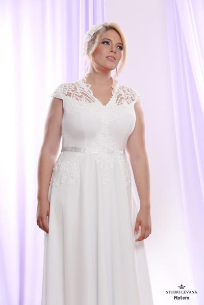 Plus size wedding gown White collection Rotem (2)