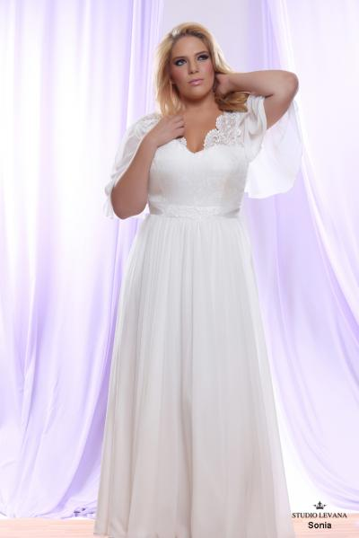 Plus size wedding gown White collection Sonia (1)