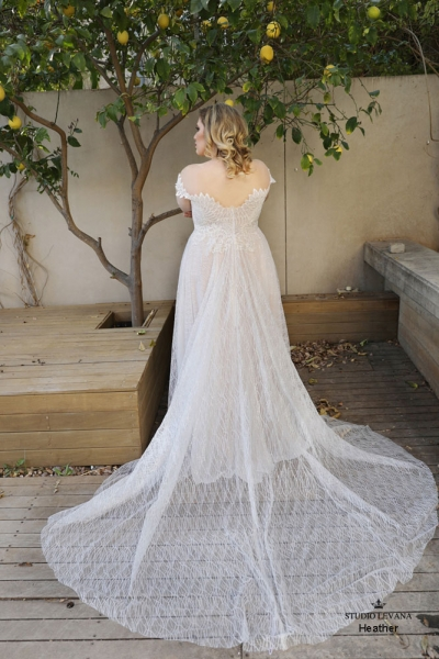 Plus size wedding gown